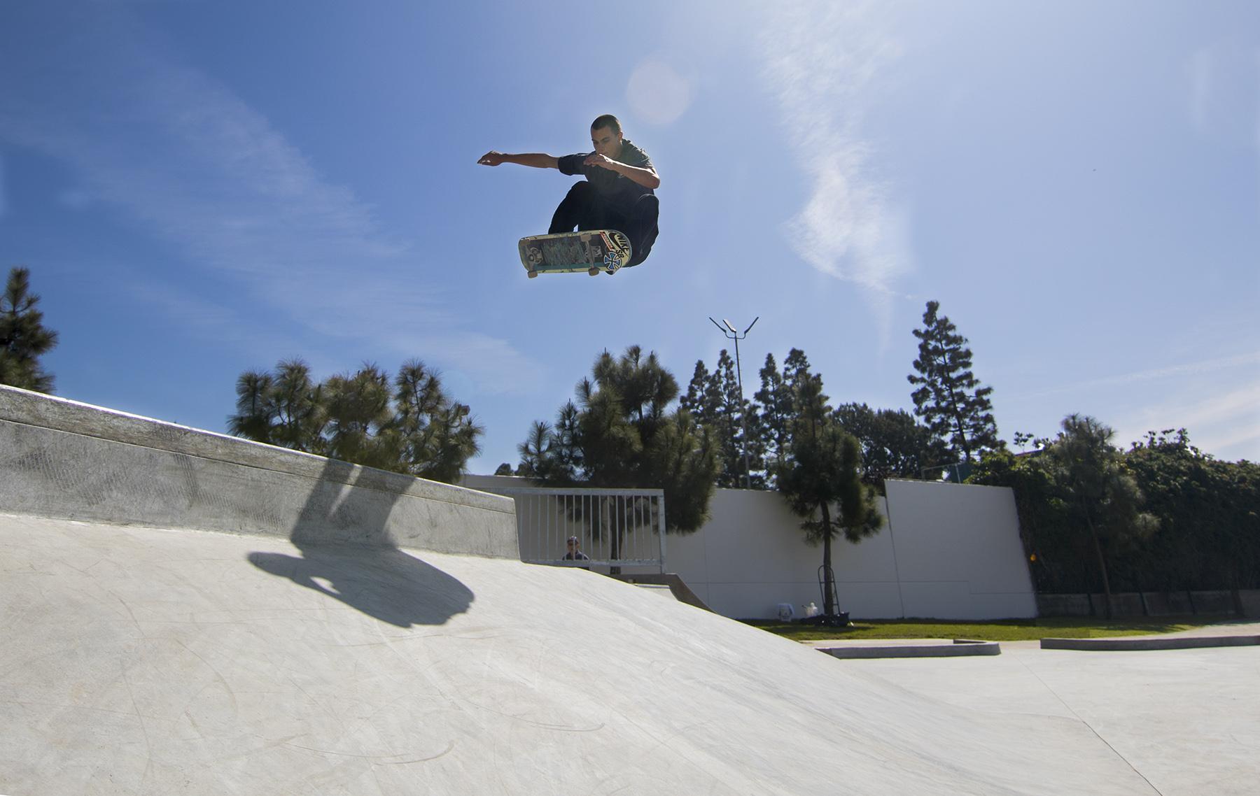 Manhattan Beach Skate Spot Gives Locals Skaters A Home (video)